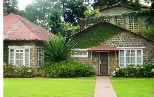The Carlton Overlooks Most Por Tourist Spot Kodai Lake Hotel Is Also Located In Close Proximity To Market And All Major Sightseeing
